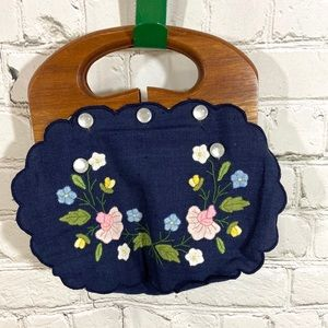 Vintage Floral Wooden Handle Purse